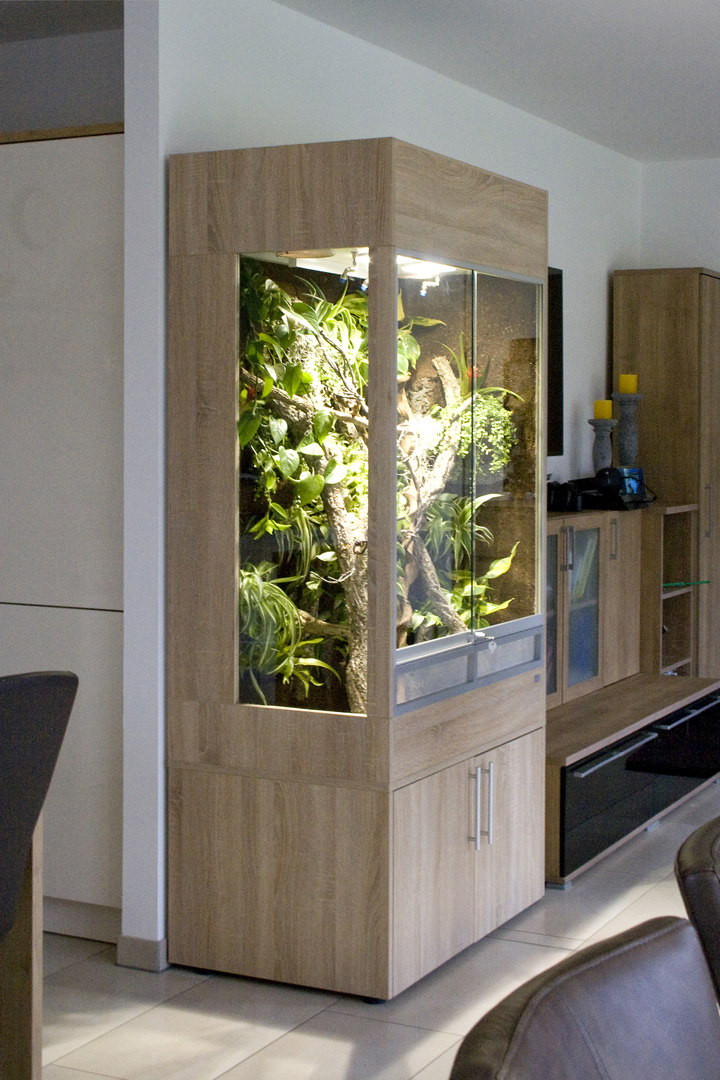 cham leonterrarium mit seitlichem festglaselement panther cham leon. Black Bedroom Furniture Sets. Home Design Ideas