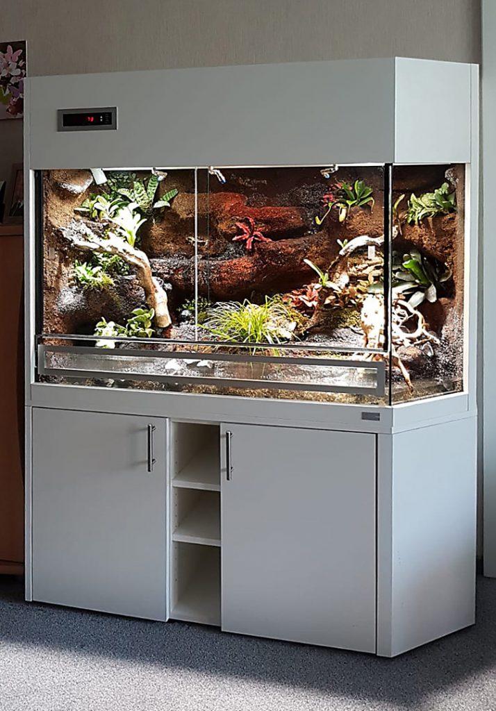 Terrarium für Pfeilgiftfrösche Typ P03 mit Panoramaecke