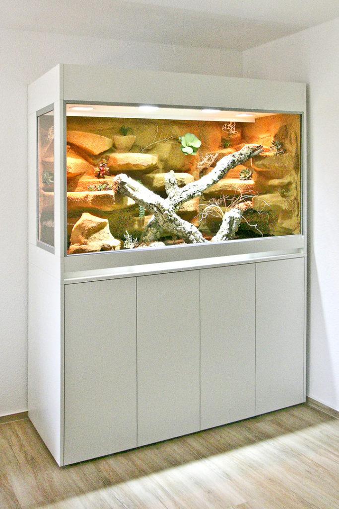 Terrarium für Stachelschwanzwarane mit 100cm hohem Unterschrank